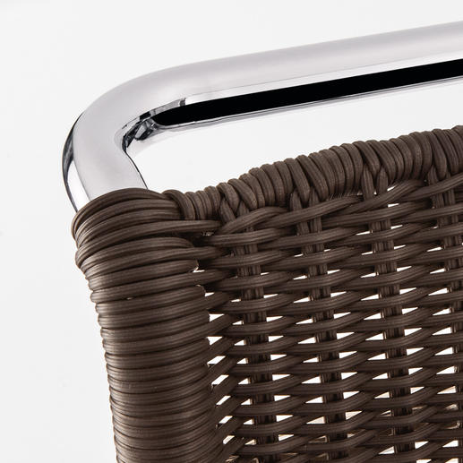 Exakt wie das einstige Geflecht gefertigt: in reiner Handarbeit, absolut ebenmäßig, mit haltbar verknüpften, formfesten Rändern.