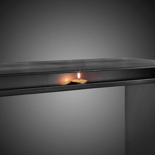 Die sorgfältig angeschweißte Teelicht-Ablage fügt sich perfekt in das puristische Design Ihrer Wärmebank ein.