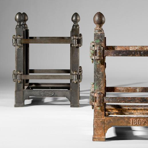 Seit 1670 ist die Form unverändert: rechts ein 150 Jahre altes Werkstück, links eines aus dem Jahr 2012.
