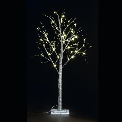 Dank massivem Stufensockel ist Ihr LED Deko-Baum kippsicher und standfest.