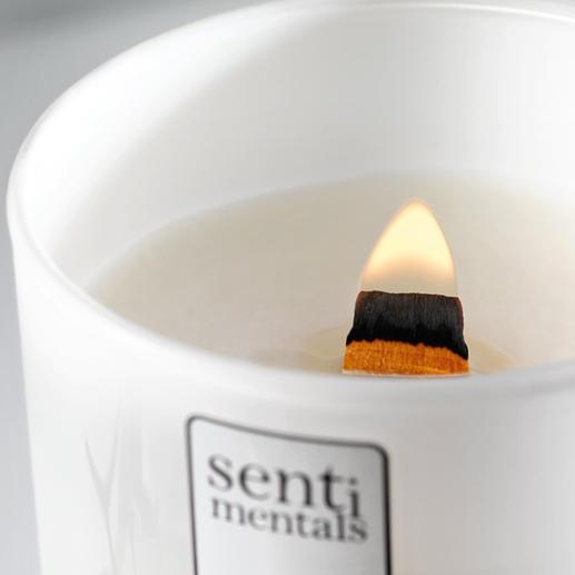 Dank Holzdocht brennen diese Kerzen bis zu 60 Stunden.