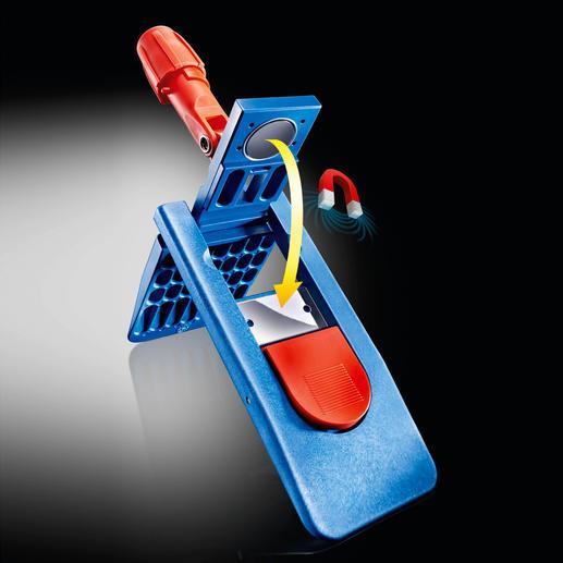 Der Profi-Klapphalter schließt komfortabel per Magnet. Zum Lösen genügt ein Tritt auf die rote Taste.