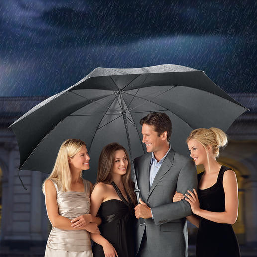 Doorman-Schirm XL - 180 cm Ø (!). Der optimale Regenschutz für bis zu 7 Personen. Erfreulich günstig.