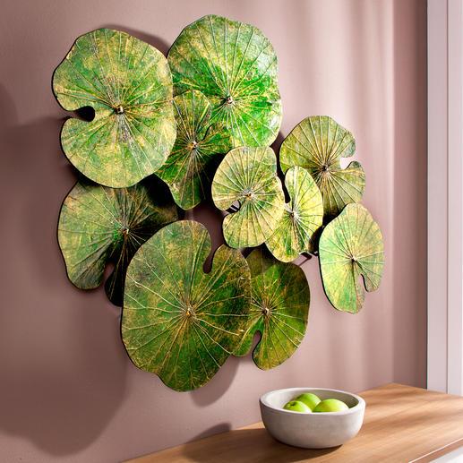 Lotusblätterkunst - Kunstvoll handgefertigt und goldfarbig überhaucht: eine Dekoration der Extraklasse.