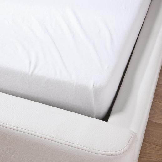 Herkömmliche Spannbetttücher mit einem Flächengewicht von oft nur 130 g/m² werfen leicht viele Falten.