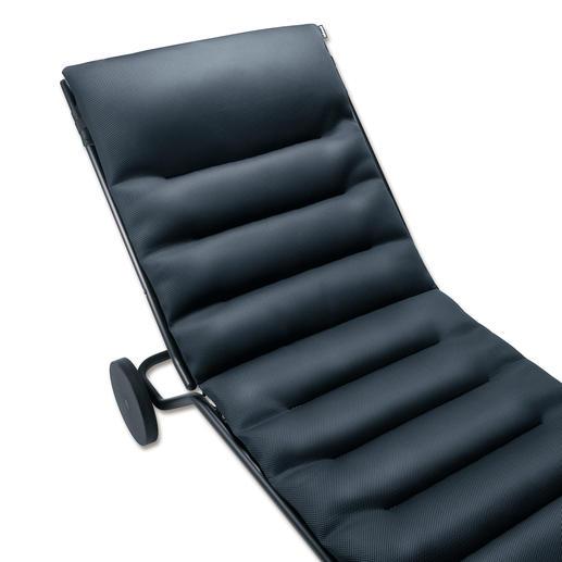 """Noch bequemer ist die Liege mit der separat erhältlichen """"Air Comfort""""®-Auflage."""