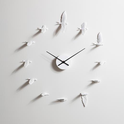 Schwalbenuhr - In 12 verschiedenen Flugpositionen markieren sie den Stunden-/5-Minuten-Takt.