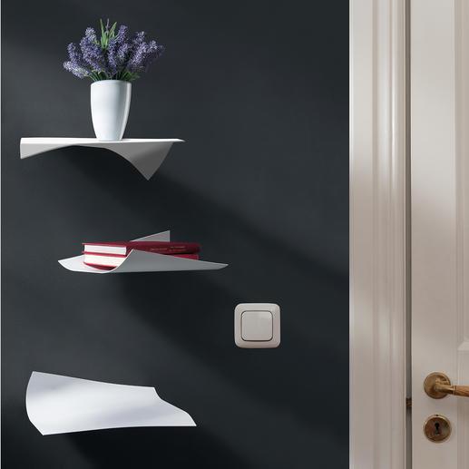 Blow Design-Wandregal, 3er-Set - Fliegende Blätter – faszinierendes Wandregal. Zart wie Papier – aber hochfest, aus pulverbeschichtetem Stahl.