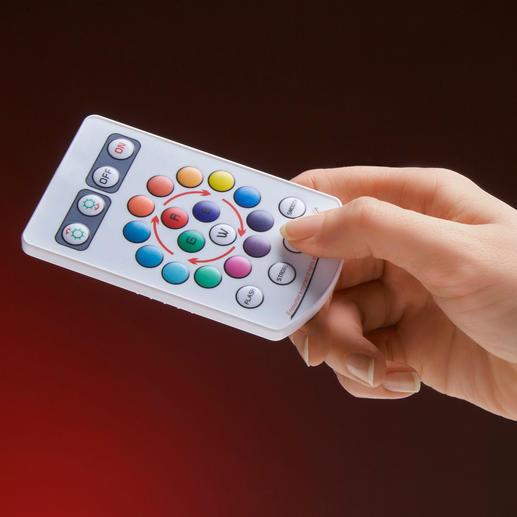 Lichtfarbe und Intensität bestimmen Sie bequem per Fernbedienung (ca. 10 x 6 cm)
