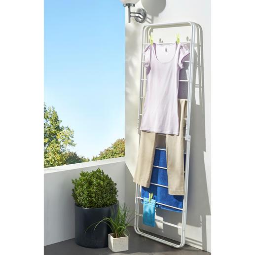 Schnell und platzsparend zusammengeklappt – ohne die Wäsche abnehmen zu müssen.