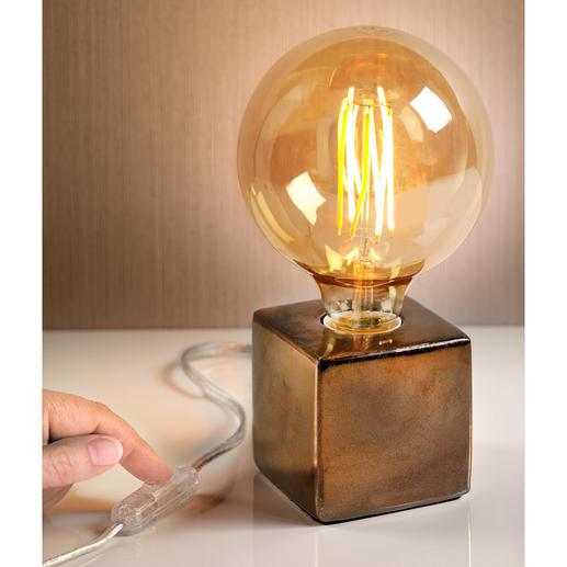 Villeroy & Boch Tischleuchte - Drei Trends in einem: XXL-Glühbirne im Retrostyle, Metallic-Farben und eine geometrische Form.