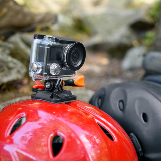 Durch verschiedenste Halterungen können Sie die Kamera sicher und winkelgenau an Helmen, Lenkern, Gegenständen… montieren.