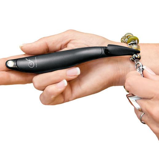 """Armband-Schließhilfe - Mit der """"verlängerten Hand"""" schließen Sie Ihre Armbänder jetzt ohne Verrenkungen und ohne Hilfe."""