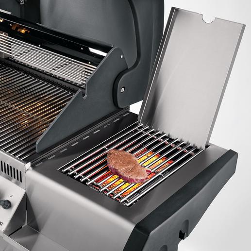 Auf dem Hochleistungs-Seitenbrenner gelingen Ihnen punktgenau gegrillte Steaks.