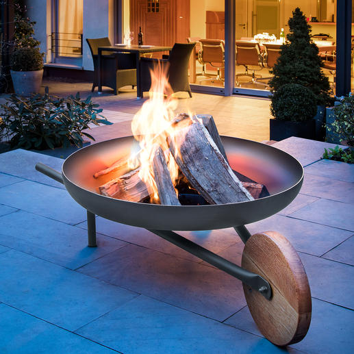 """Feuerschale mit Grillfunktion """"Barrow"""" Zünftiges Lagerfeuer. 70(!) cm-Grill. Und sogar bequem zu kutschieren. Die edle Feuerstelle im Schubkarren-Design."""