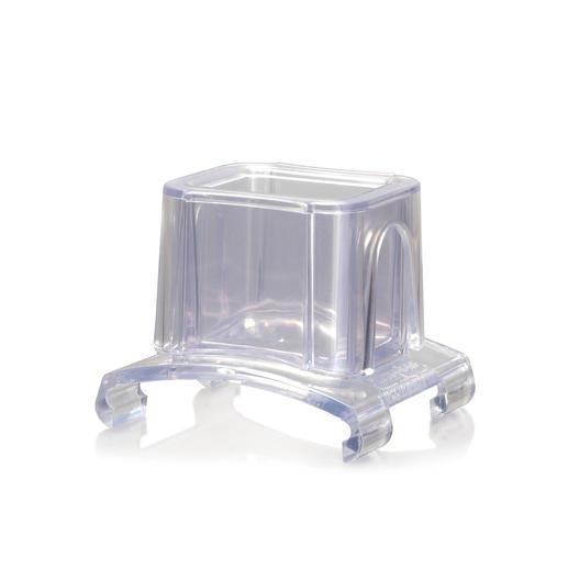 Mit dem Fingerschutz-Schlitten lässt sich das Reibgut sicherer und einfacher über die Fein-, Grob- und 2-Wege-Reibe führen.