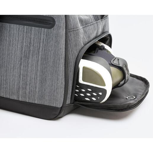 Besonders praktisch: Von außen zugängliches separates Schuhfach mit Belüftung.