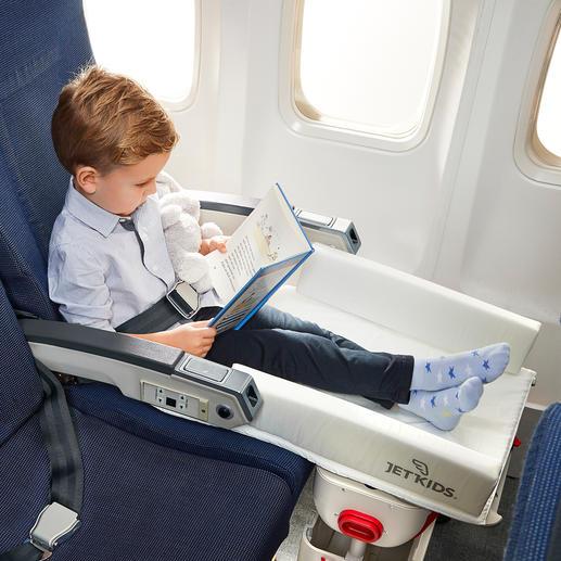 Lässt Ihr Kind viel gemütlicher sitzen –ohne in der Luft baumelnde Füße.
