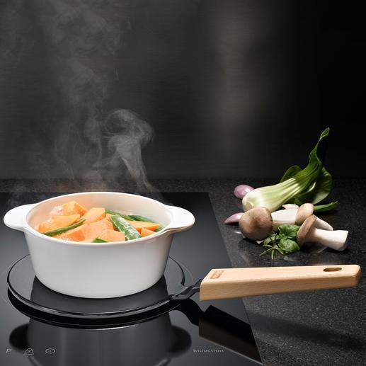 2-in-1-Adapterplatte Macht alle Ihre Lieblingstöpfe induktionsfähig. Und hält Ihre Speisen bei Tisch warm.