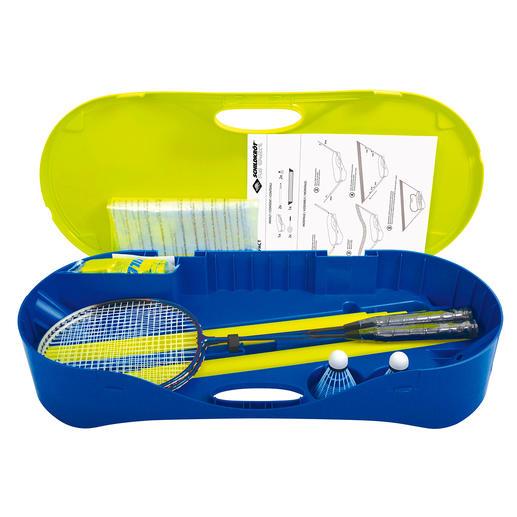 Praktisch zu verstauen: Die Aufbewahrungs- und Transportbox aus bruchfestem Kunststoff enthält ein Netz, 2Teleskop-Pfosten, 2Schläger und 2Bälle.