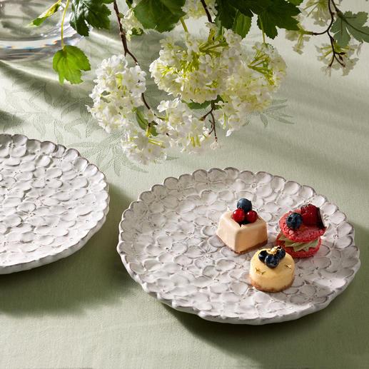 Hortensien-Teller, 2er-Set - Handgefertigtes Blütenmeer: der Hortensien-Teller aus Florentiner Keramik.