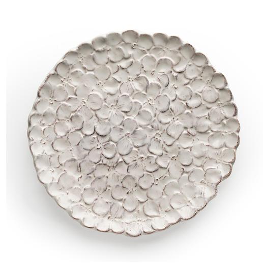 Weit geöffnete Blütenblättchen sorgen für ein besonders ausdrucksvolles Relief.