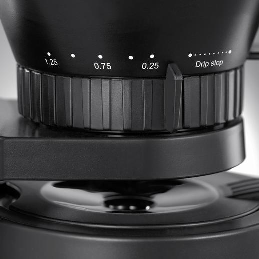 Einfach per Drehring am Filterhalter variieren Sie stufenlos die Durchlaufgeschwindigkeit und damit die Stärke Ihres Kaffees.