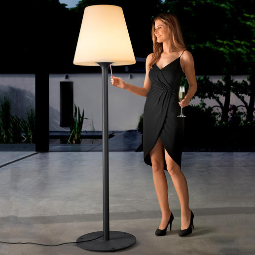 XXL Moonlight Stehlampe - Stimmungsvoll wie Mondlicht: die imposante Parklaterne, die kein Vermögen kostet.