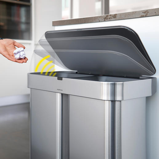 Alternativ zur Sprachsteuerung lässt sich der Abfallsammler auch durch einen Wink mit der Hand öffnen.