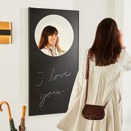 Wandspiegel Kunstvoll wie ein Bild: der Spiegel im großflächig schwarzen Rahmen.