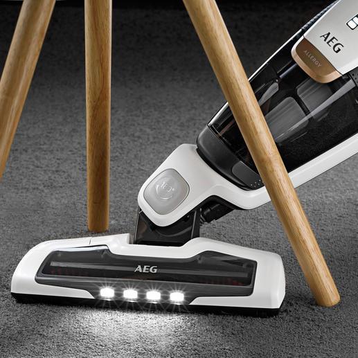 4 LED-Leuchten für perfekte Sicht in dunklen Ecken.