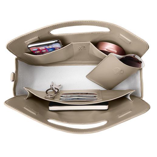 Sechs Innen-Steckfächer nehmen Ihre Karten auf sowie Schreibutensilien, Smartphone, Puderdose, ... Mit separatem Brillenfutteral.