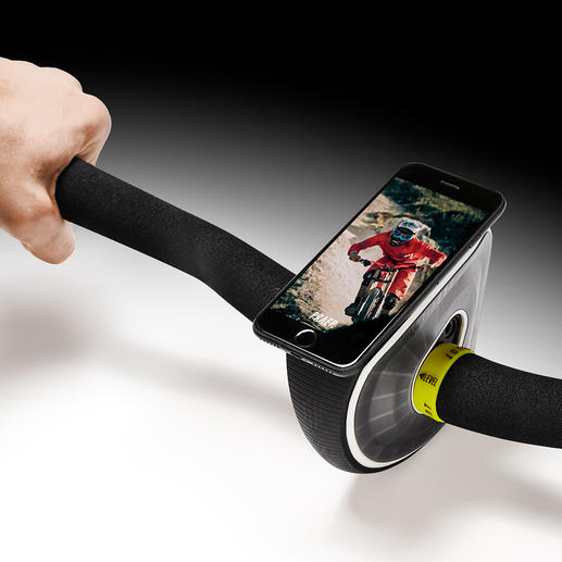 Mit der Smartphone-App (Android/iOS kostenlos) können Sie z.B. vorgegebene Trainingsstrecken virtuell nachfahren.