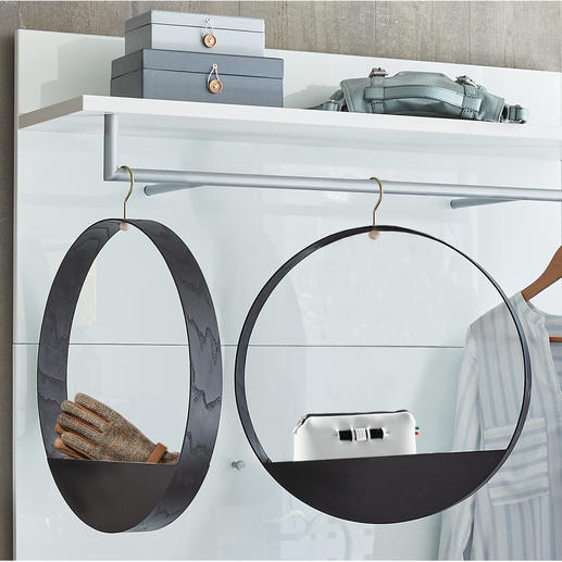 Hook Shelf - Design aus Finnland: Kleiderbügel und Ablagefach in einem.