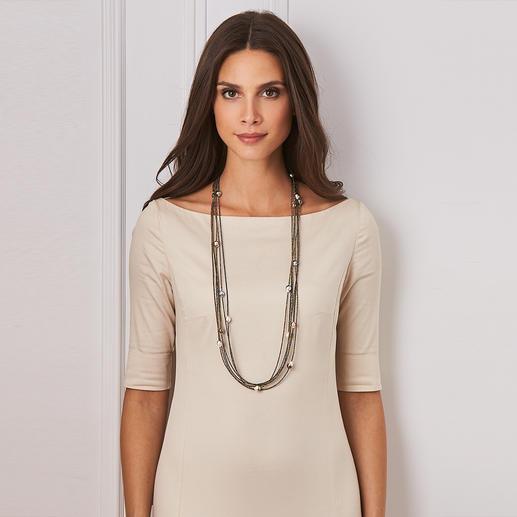 Passend zu Ihrem Outfit verändern Sie den Look Ihres Colliers.