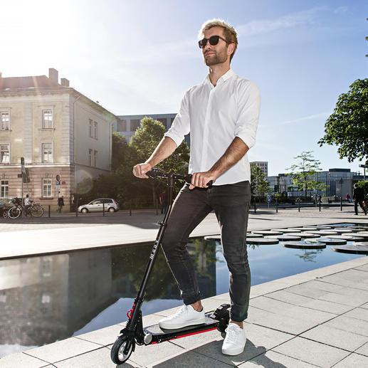 Elektro-Scooter Moovi - Jetzt mit Straßenverkehrszulassung und extra breitem Lenker für mehr Fahrsicherheit.
