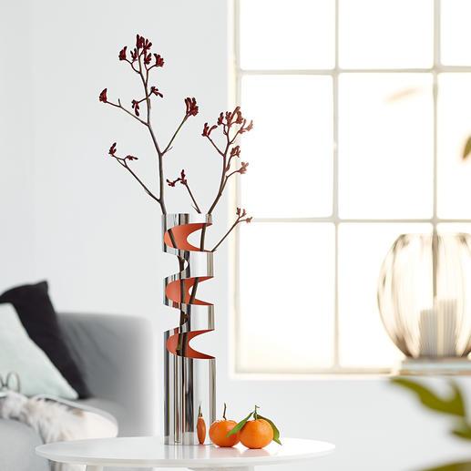 LOOM Vase Trendiges Edelstahl-Design mit markanten Aussparungen und innen orangefarben lackiert. Jede Vase ein Unikat.