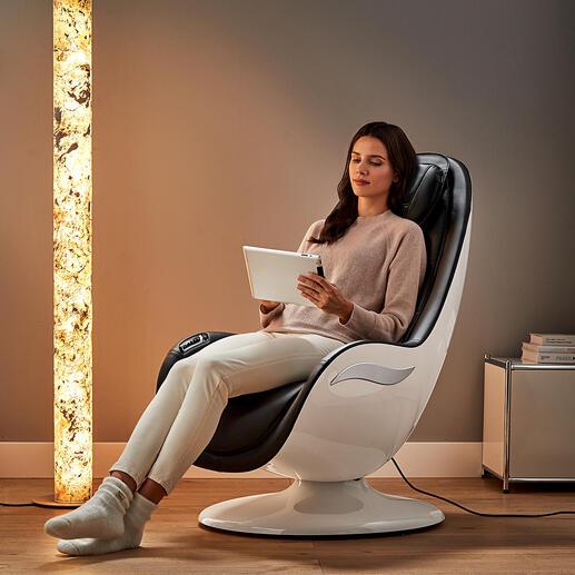 Design-Massagesessel RS 650 Eine Oase der Entspannung – im modernen Design. Verwöhnt Sie auf Tastentipp mit 6 anerkannten Massagetechniken. Von den Oberschenkeln bis hinauf in den Nacken.