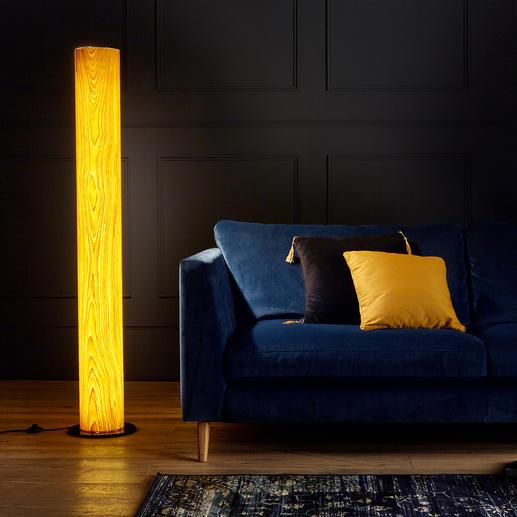 Design-Eichenholz-Leuchte Einzigartige Handwerkskunst lässt edles Eichenholz in faszinierendem Licht erstrahlen.