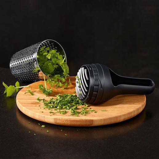 Integriertes Wiegemesser für optimales Zerkleinern Ihrer Kräuter.