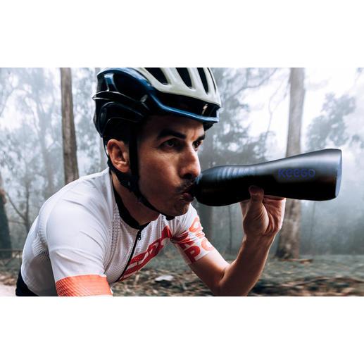 KEEGO Titan-Sport-Trinkflasche - Leicht und quetschbar wie eine Kunststoffflasche. Die erste flexible Sport-Trinkflasche aus Titan.