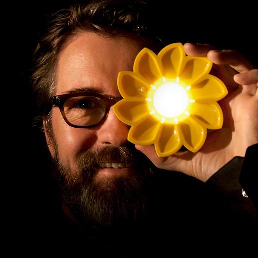 Solarlampe Little Sun Hocheffiziente Solarleuchte. Kleines Kunstobjekt. Und ein sinnvolles Sozialprojekt.