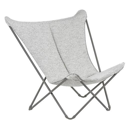 Bequem wie ein Lounge-Sessel. Aber platzsparend faltbar, leicht und mobil. Bequem, platzsparend faltbar, leicht und mobil. Komfort und Qualität von Lafuma, Frankreich. Für drinnen und draußen.