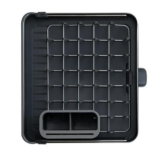 Zusammengeschoben ideal für den kleinen Abwasch: mit kompakter Grundfläche von 36,4 B x 32 T cm.