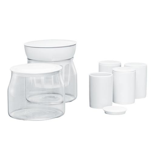 Im Lieferumfang enthalten: 2Glasbehälter je 1,2l und 4Keramik-Portionsbecher mit Deckel je 125ml.