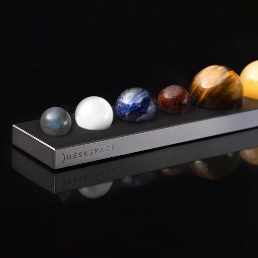 Sonne oder Planeten aus EdelsteinenaufAluminium-Sockel