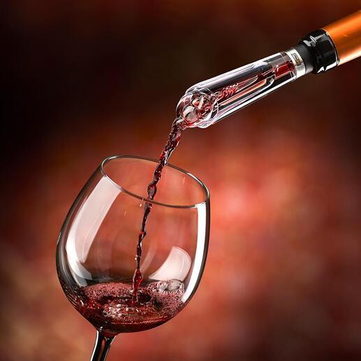 """Der Testsieger* unter den Dekantierern. Zugleich tropffreier Ausgießer. """"... belüftet den Wein deutlich sicht- und schmeckbar"""" – so das Fazit der Haus & Garten Test (Ausgabe 4.2020)."""