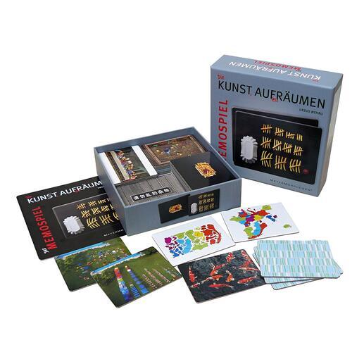 Für die Doppelgänger-Spielkarten entstehen aus den Urmotiven überraschend neue Aspekte, die ebenso humorig wie sinnfrei sind.