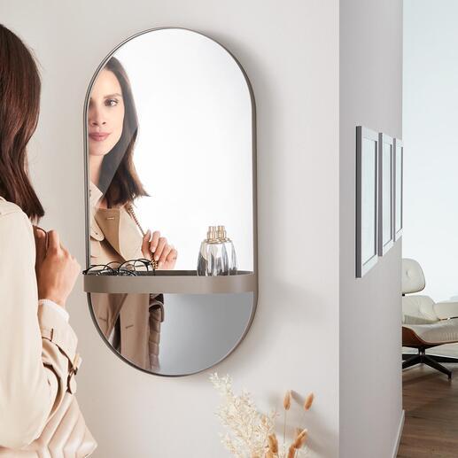 Wandspiegel mit Ablage Moderne, flach anliegend ovale Form. Oben mit Spiegelglas, unten trendiges Rauchglas. Immer ein stylisher Blickfang.