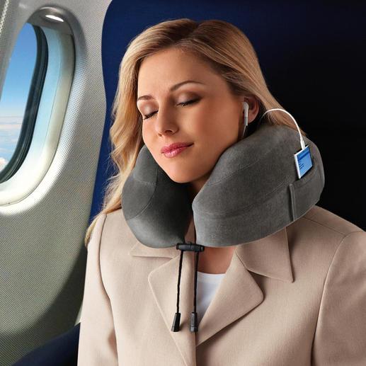 Per Feststellkordel passen Sie das Reisekissen ganz einfach Ihrem Nacken an.